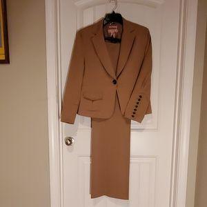 Misses Suit